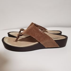 Aetrex sandals, size 7.5, brown snake texture